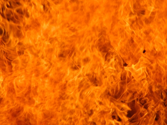 418384-fire-free-desktop-pictures.jpg