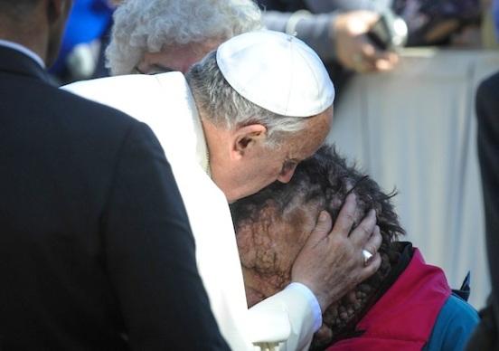 pope-francis-kisses-face-580.jpeg~original.jpeg